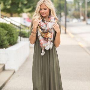Olive green maxi dress boutique L